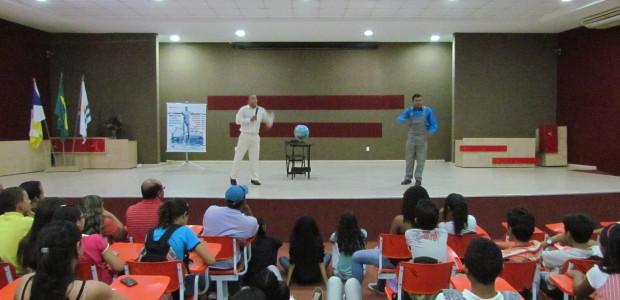 Apresentação do Grupo teatral sobre saneamento básico na ETI Eurídice Ferreira Mello
