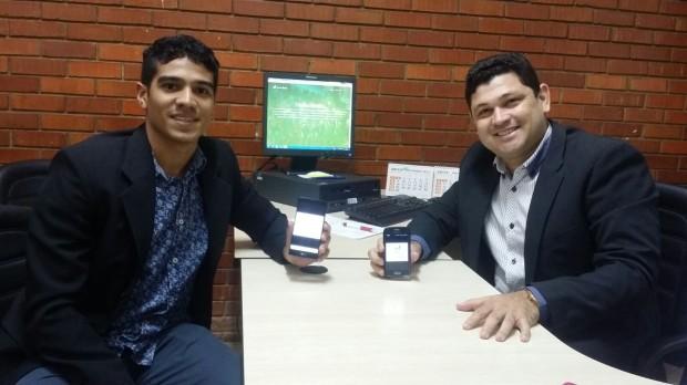 Idealizadores do projeto Traduzindio - Prof. Dr. George Brito (dir.) e Alain Lima (esq.)