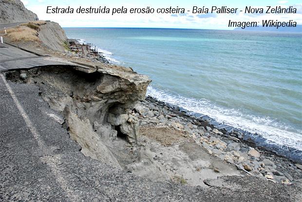 Estrada-destruida-erosao-costeira-Palliser