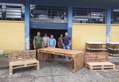 Projeto de móveis de pallets ganha prêmio nacional de reciclagem